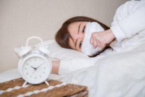 寝坊で会社を遅刻する・休む時に使える上手な言い訳